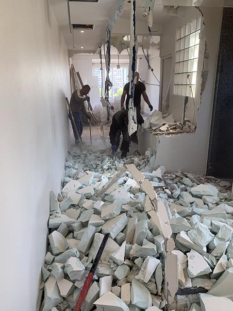 Demolition suivis de débarras des gravats